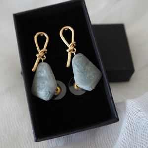 NWOT gold knot marble stone stud earrings